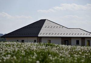 Pločevinasta streha je prava izbira ob menjavi staro za novo