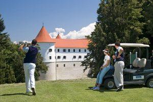 Grad Mokrice - golf igrišče